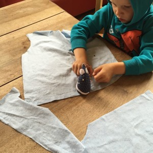 Cutting t-shirt from pattern